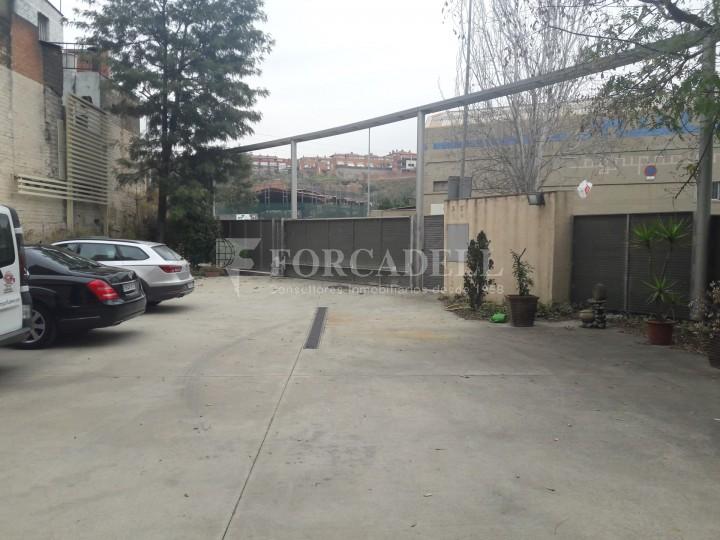 Nau industrial en venda de 1.324 m² - Sant Feliu de Llobregat, Barcelona. #2