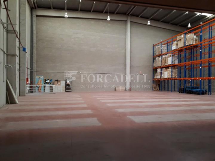 Nau industrial en venda de 1.324 m² - Sant Feliu de Llobregat, Barcelona. #3