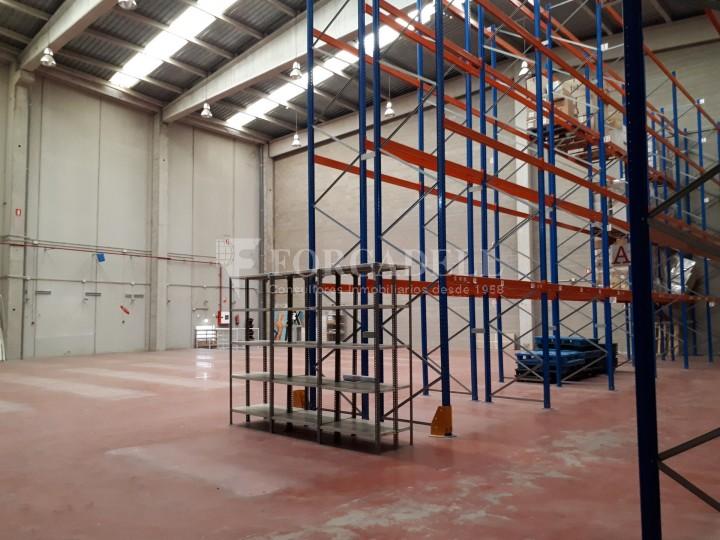 Nau industrial en venda de 1.324 m² - Sant Feliu de Llobregat, Barcelona. #4