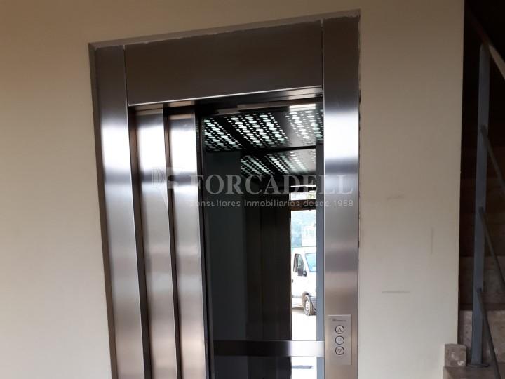 Nau industrial en venda de 1.324 m² - Sant Feliu de Llobregat, Barcelona. #9