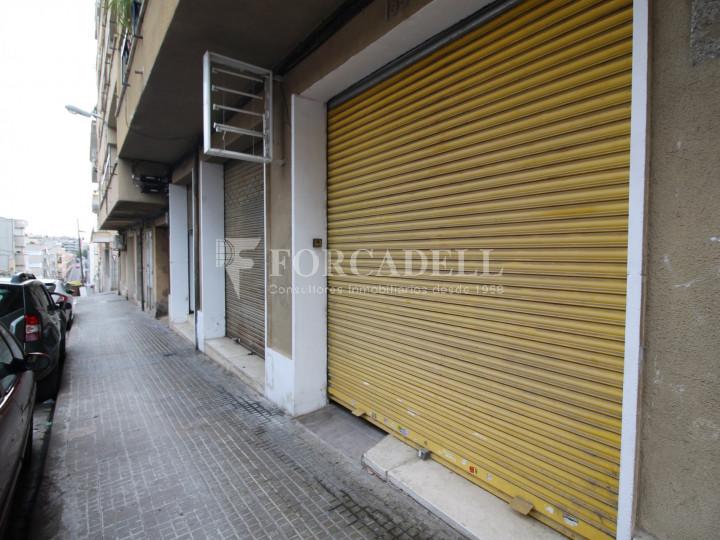 Local en venda al barri de Ca n'Aurell. Terrassa. Barcelona. 12