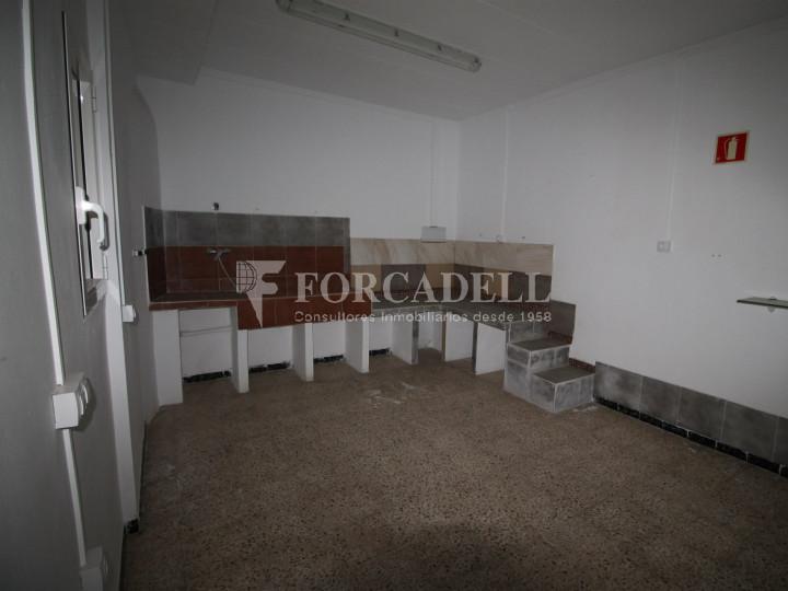 Local en venda al barri de Ca n'Aurell. Terrassa. Barcelona. 6