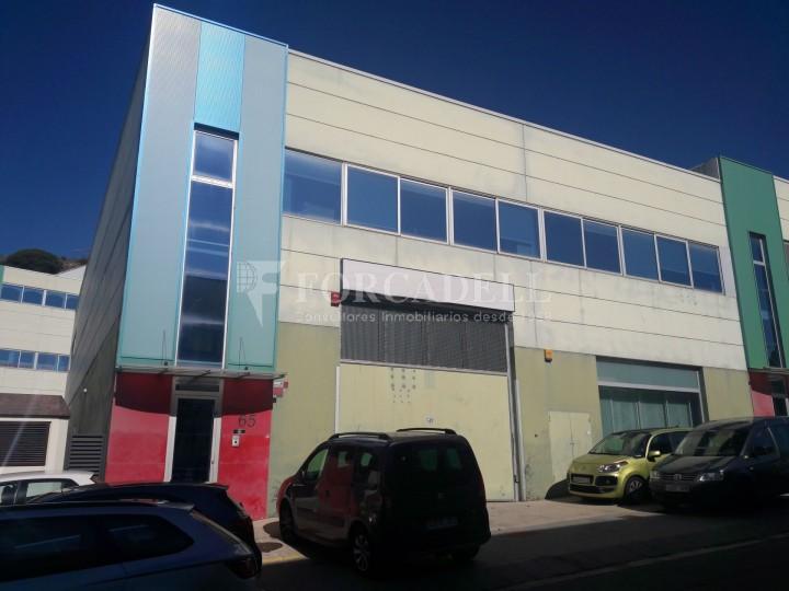 Nau industrial en venda de 1.286 m² - Badalona, Barcelona.  #1