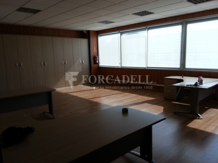 Nau industrial en venda de 1.286 m² - Badalona, Barcelona.  #10
