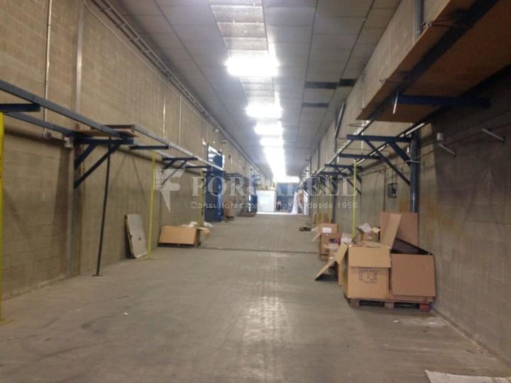 Nau industrials en venda de 2.883 m² - Ripollet, Barcelona #6