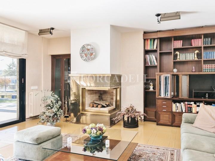 Casa amb terreny annex amb arbres fruiters, a la comarca de La Selva. Girona.  14