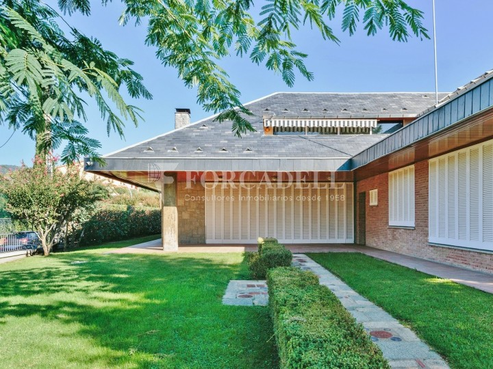 Casa amb terreny annex amb arbres fruiters, a la comarca de La Selva. Girona.  4