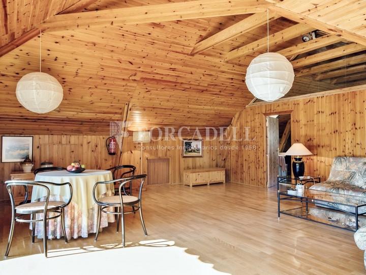Casa amb terreny annex amb arbres fruiters, a la comarca de La Selva. Girona.  34