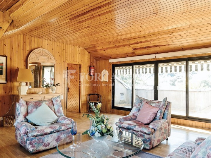 Casa con terreno anexo con árboles frutales, en la comarca de La Selva. Girona.  38