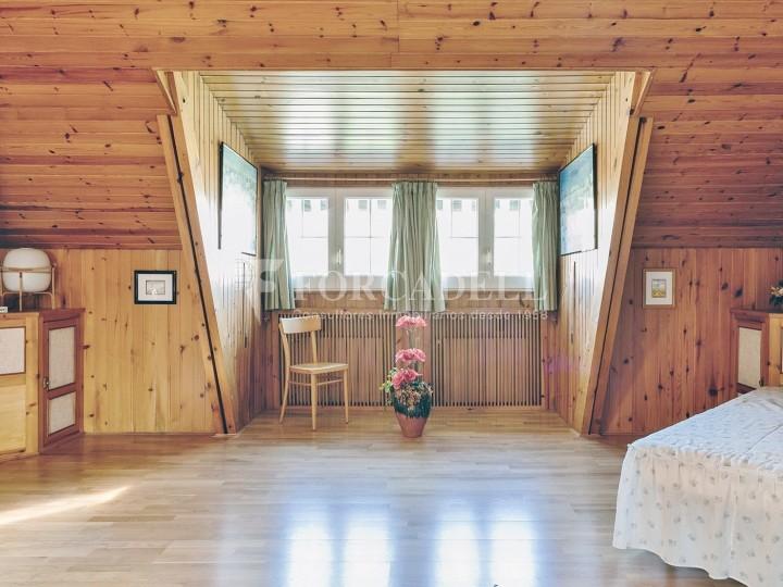 Casa con terreno anexo con árboles frutales, en la comarca de La Selva. Girona.  46
