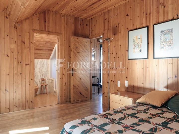 Casa con terreno anexo con árboles frutales, en la comarca de La Selva. Girona.  50