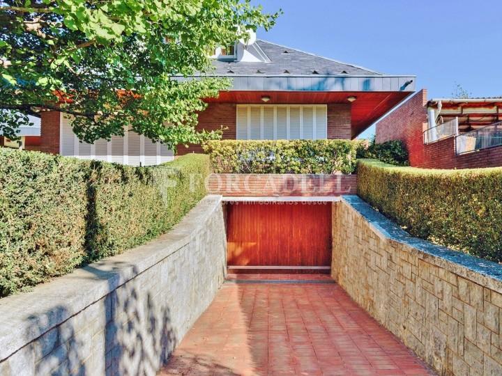 Casa con terreno anexo con árboles frutales, en la comarca de La Selva. Girona.  57