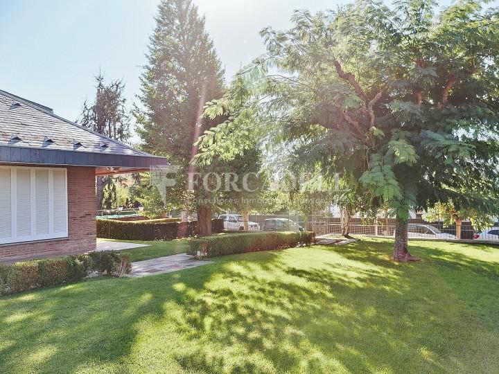 Casa amb terreny annex amb arbres fruiters, a la comarca de La Selva. Girona.  60