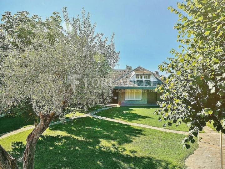 Casa con terreno anexo con árboles frutales, en la comarca de La Selva. Girona.  64