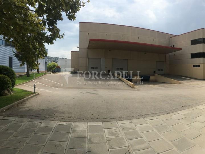 Nau industrial en venda o lloguer d'5.188 m² - Cerdanyola del Vallès, Barcelona. 1
