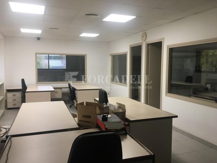 Nau industrial en venda o lloguer d'5.188 m² - Cerdanyola del Vallès, Barcelona. 13