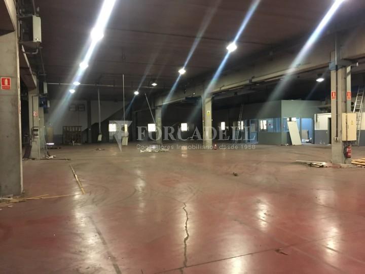 Nau industrial en venda o lloguer d'5.188 m² - Cerdanyola del Vallès, Barcelona. 4