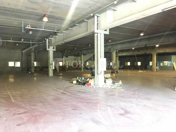 Nau industrial en venda o lloguer d'5.188 m² - Cerdanyola del Vallès, Barcelona. 5