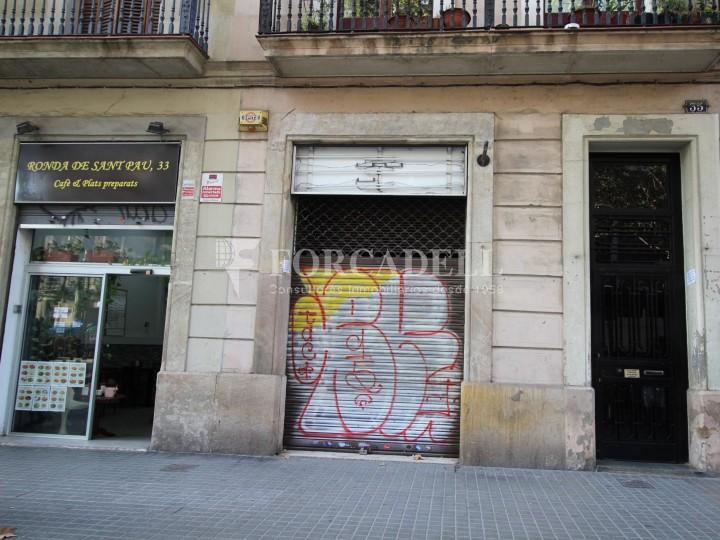 Local en venda al barri de Sant Antoni, situat a Ronda Sant Pau. Barcelona. 1