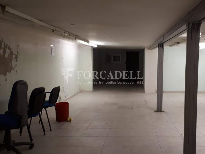 Local en venda al barri de Sant Antoni, situat a Ronda Sant Pau. Barcelona. 9