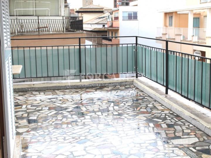 Al centre de Palma, es ven àtic reformat amb terrassa de 50m2. 3