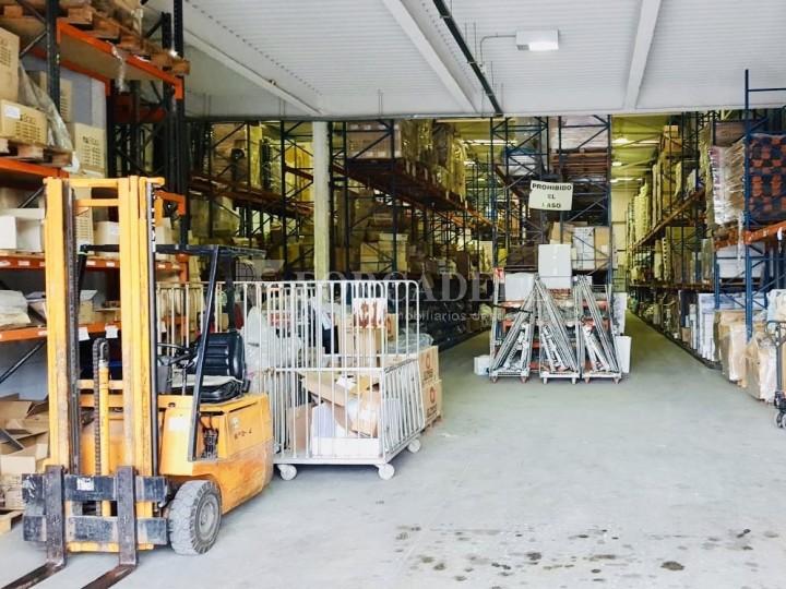 Nau industrial en venda de 1.253 m² - Sant Vicenç dels Horts, Barcelona. #3