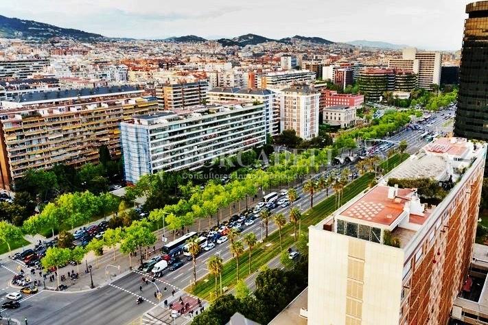 Oficina disponible en lloguer situada  al districte de les Corts de Barcelona. #5