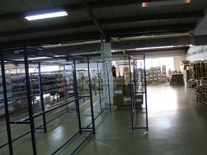 Nau industrial en venda de 2.273 m² - Montcada i Reixac, Barcelona 9