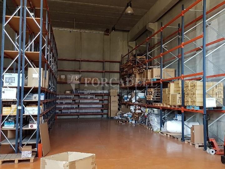 Nau industrial en venda de 660 m² - Ripollet, Barcelona. 2