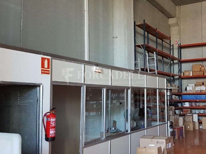 Nau industrial en venda de 660 m² - Ripollet, Barcelona. 4