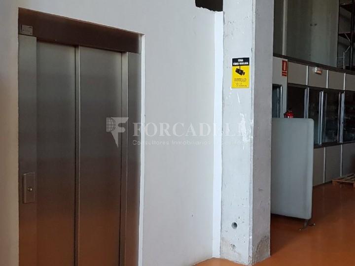 Nau industrial en venda de 660 m² - Ripollet, Barcelona. 5