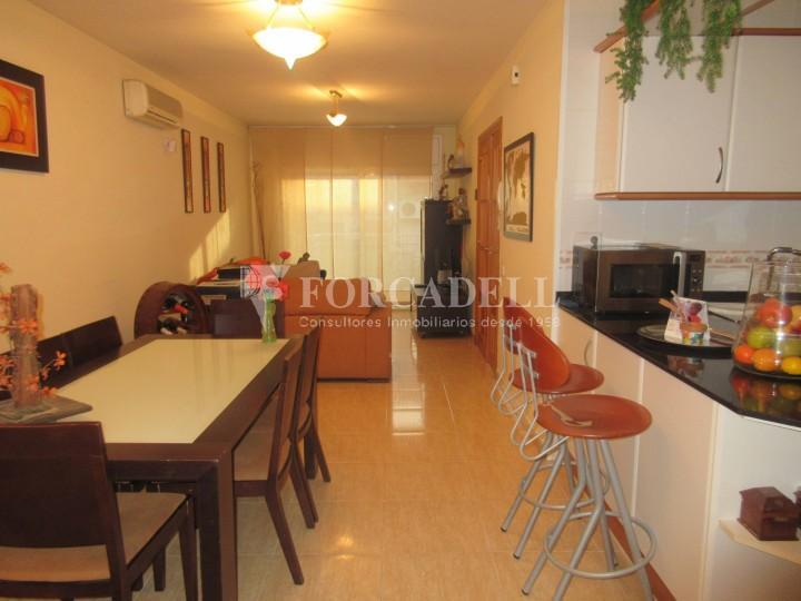 Pis en venda a Parets del Vallès dúplex amb 3 habitacions, 2 banys i 2 salons