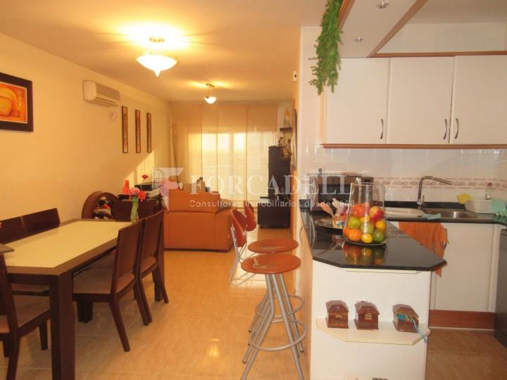 Pis en venda a Parets del Vallès dúplex amb 3 habitacions, 2 banys i 2 salons 3