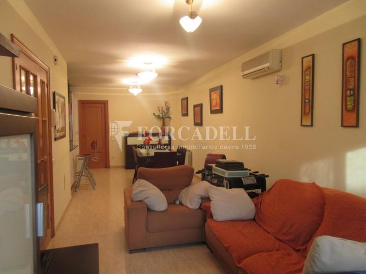 Pis en venda a Parets del Vallès dúplex amb 3 habitacions, 2 banys i 2 salons 4
