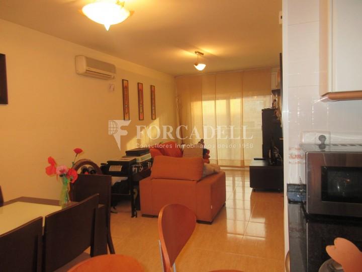 Pis en venda a Parets del Vallès dúplex amb 3 habitacions, 2 banys i 2 salons 6
