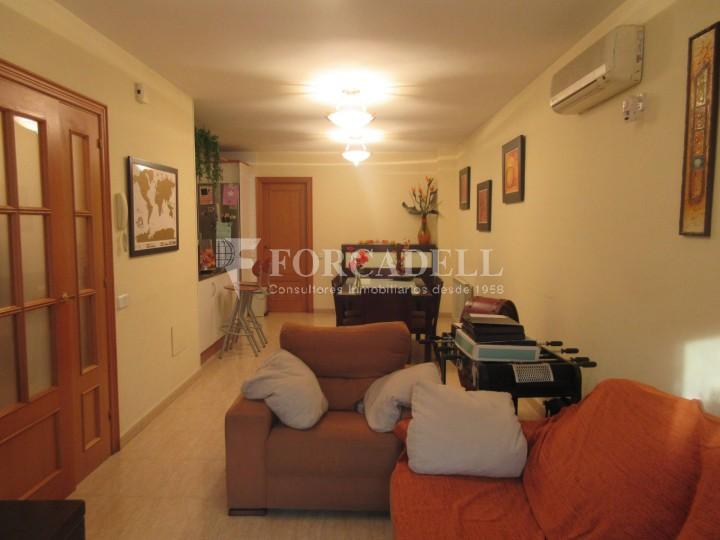 Pis en venda a Parets del Vallès dúplex amb 3 habitacions, 2 banys i 2 salons 9