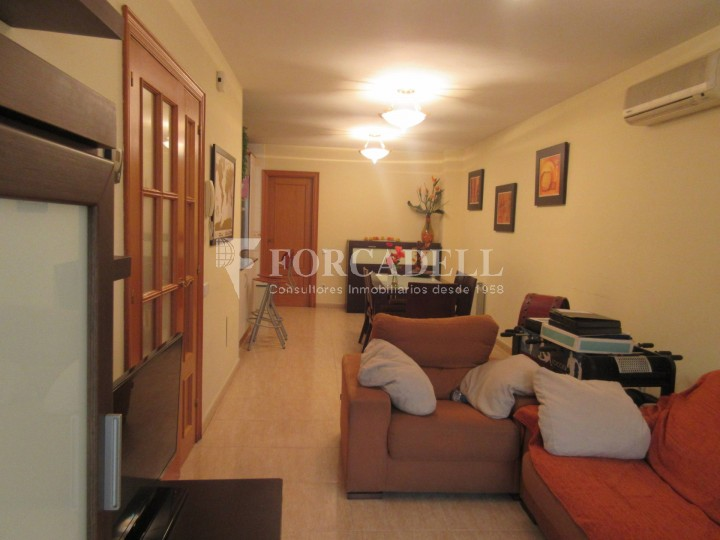 Pis en venda a Parets del Vallès dúplex amb 3 habitacions, 2 banys i 2 salons 10
