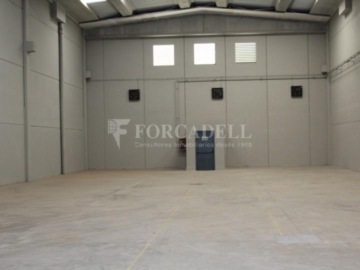 Nau industrial en venda o lloguer de 918 m² - Gavà, Barcelona #2