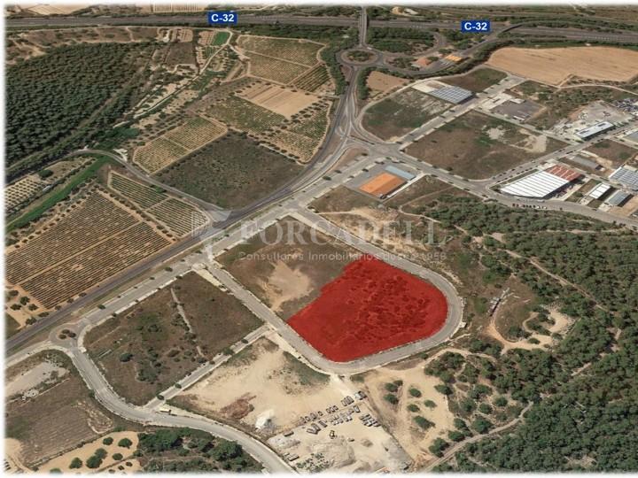 Solar industrial en venda de 10.294 m² - Calafell, Tarragona. #1