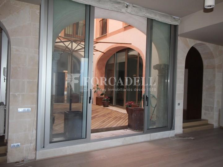 A centre de Palma,  Casc Antic, planta baixa a estrenar de 3 habitacions en edifici amb categoria rehabilitat completament. 4