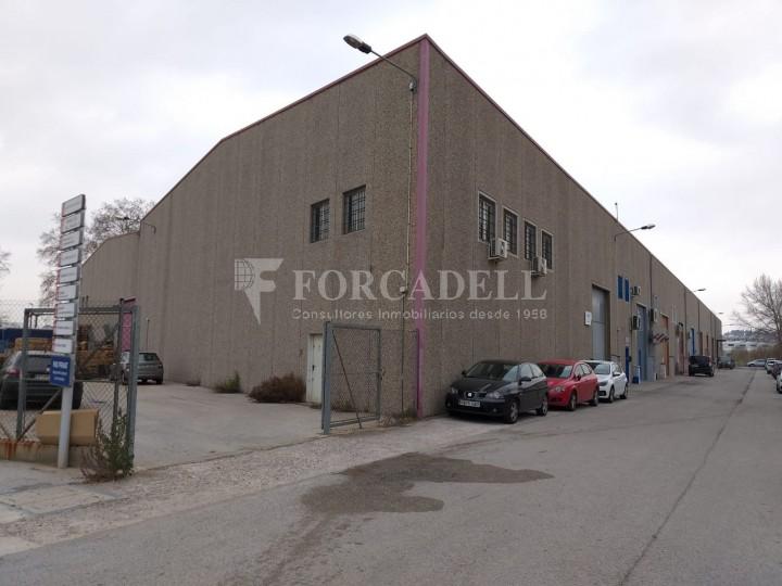 Nave industrial en venta de 479 m² - Montornes del Vallès, Barcelona.  #1