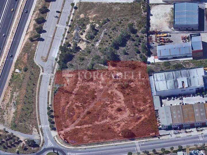Solar industrial en venta de 12.498 m² - Tarragona 3