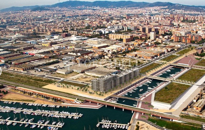 Local d'obra nova a La Marina de Badalona. Barcelona. 7