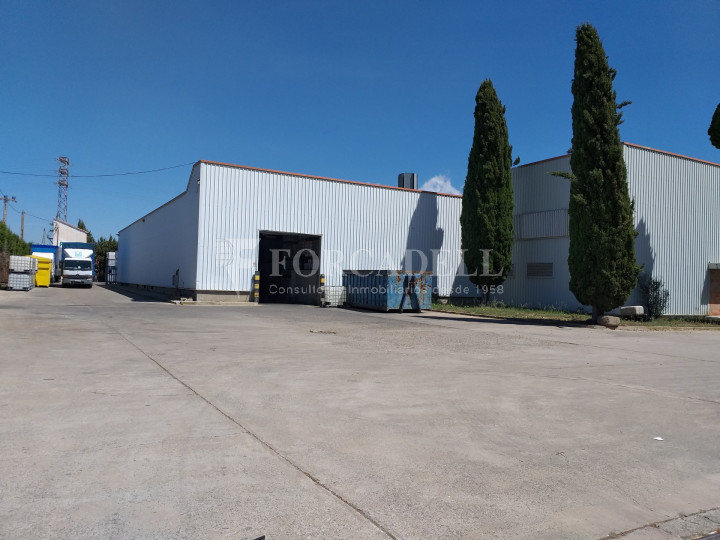 Nave industrial en venta de 3.943 m² - Canovelles, Barcelona 1