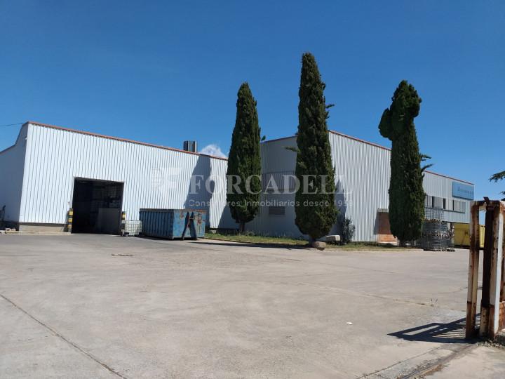 Nave industrial en venta de 3.943 m² - Canovelles, Barcelona 2