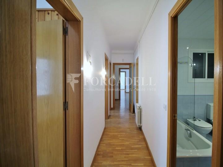 Pis en venda llest per entrar a viure al costat de l'Hospital de Sant Pau (Barcelona) 11
