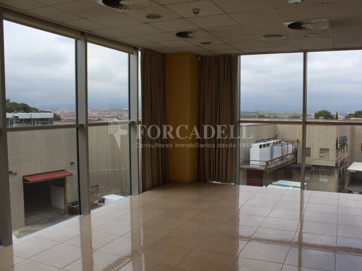 Nave industrial en venta de 1.215 m² - Montcada i Reixach, Barcelona. #10