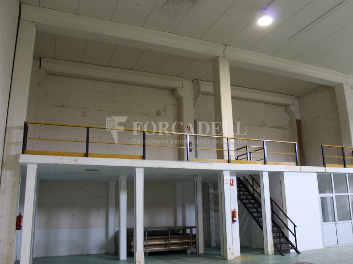 Nave industrial en venta de 1.215 m² - Montcada i Reixach, Barcelona. #11