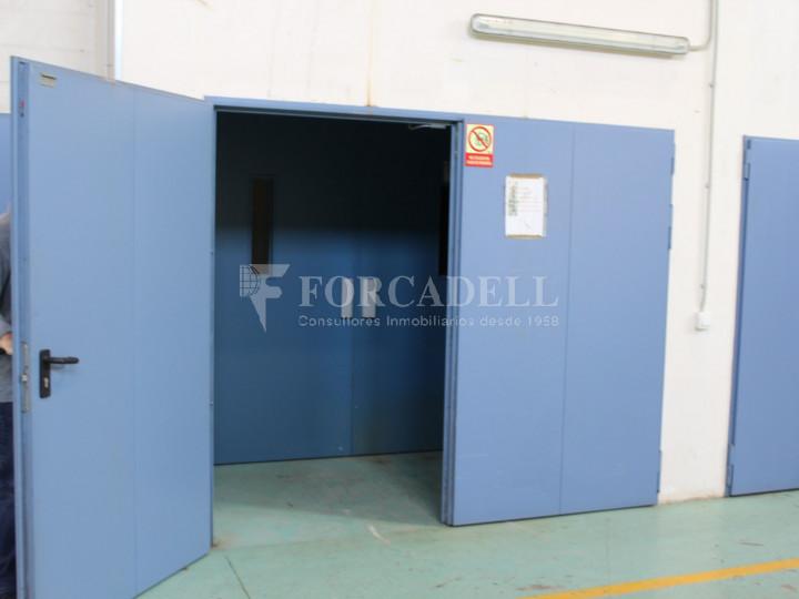 Nave industrial en venta de 1.215 m² - Montcada i Reixach, Barcelona. #12