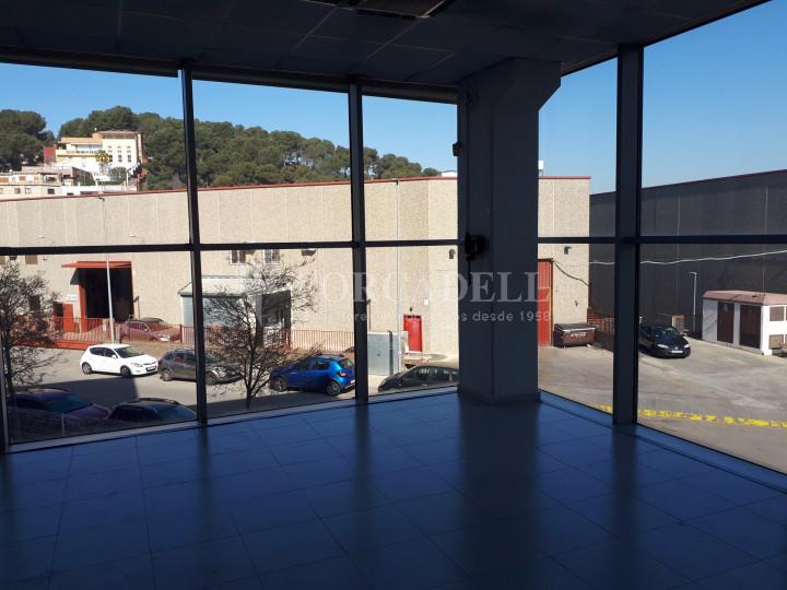 Nave industrial en venta de 1.215 m² - Montcada i Reixach, Barcelona. 2